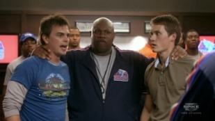 Blue Mountain State 01x05 : There's Only One Second Best- Seriesaddict